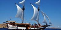 Kapal Pinisi hasil kebudayaan Bugis yang terkenal