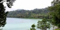 pemandangan obyek wisata danau linow