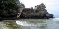 tebing baru karang pantai palippis sulawesi