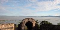 pemandangan benteng otanaha dari atas