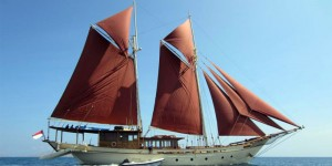 kapal pinisi suku bugis