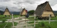 rumah suku lore lembah bada poso sulawesi tengah